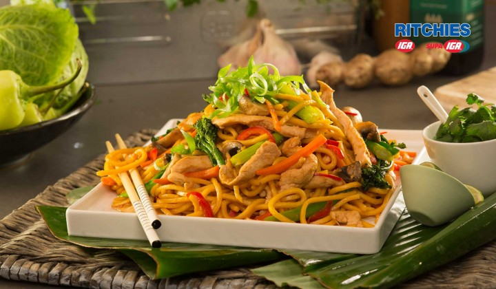 Stir fry chicken with hokkien noodles