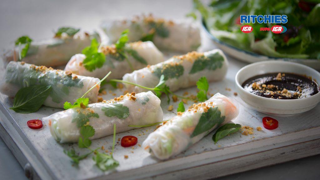 Vietnamese style chicken rice paper spring roll